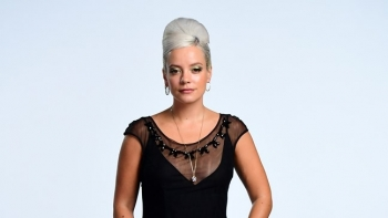ON THIS DAY - LILY ALLEN (VIDEO)