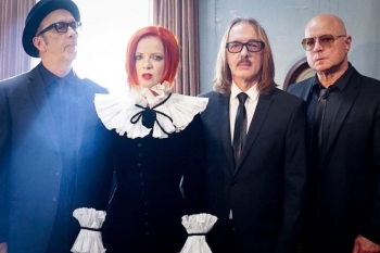 ON THIS DAY - SHIRLEY MANSON - GARBAGE (VIDEO)