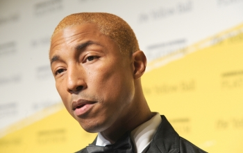 Pharrell Williams i bashkohet jurisë në Rock and Roll Hall of Fame