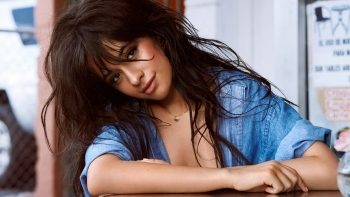 "Camila Cabello sjellë videoklipin e ""Never Be The Same"" (Video)"