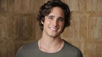 "Diego Boneta bashkohet me kastin e  ""Father of the Bride"""