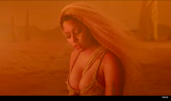 Nicki Minaj publikon këngën e re (Video)