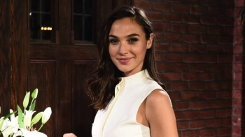 "Gal Gadot në filmin ""Death On The Nile"""